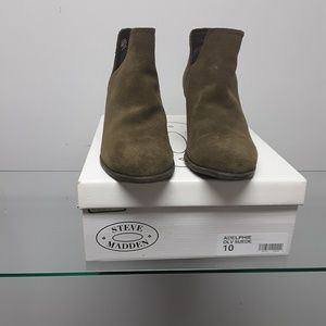 Steve Madden suede olive booty size10